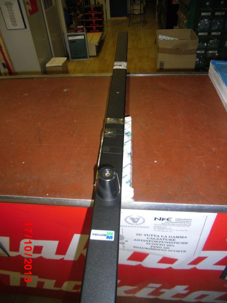 Mottura serratura a fascia verticale nuova ferramenta - Serrature mottura sostituzione cilindro ...